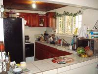 3016_cocina_desayunador_y_muebles.JPG