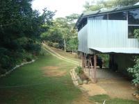 3202_front_yard_house.JPG
