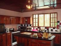 3312_kitchen.JPG