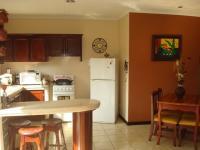 3352_kitchen2.JPG