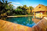 4164_Hacienda_La_Paz_-_pool_&_rancho.jpg