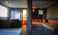4164_Hacienda_La_Paz_-_rancho_guesthouse.jpg