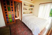 4164_Hacienda_La_Paz_-_upper_bedroom.jpg