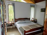 5552_9973_11-bedroom_a.jpg