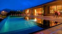 5696_5361_101-exterior-pool.jpg