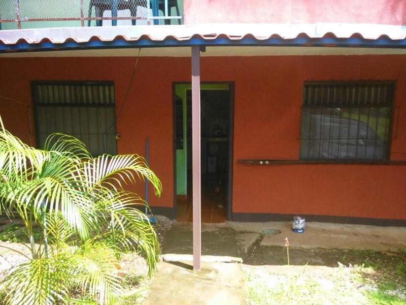 En venta se vende casa en la playa con cabinas para for Casas para alquilar