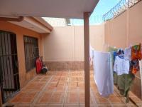 6790_2906_sevendecasa-moravia-235-014-patio1.jpg