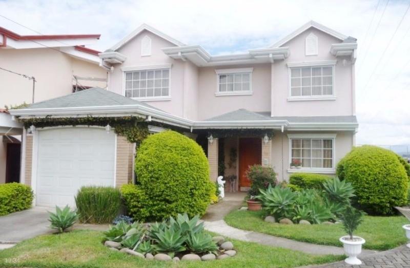 En venta bonita casa condominio estilo americano en for Casas estilo americano