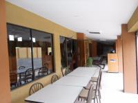 6913_4770_Lindora_04_corredor_del_edificio_principal.JPG