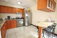 7428_7061_009-cocina-392-nuevoshorizontespropiedades-venta-sevende-casa-condominio-la-ladera-Heredia.jpg