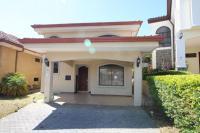 7428_8210_001-frente-392-nuevoshorizontespropiedades-venta-sevende-casa-condominio-la-ladera-Heredia.jpg