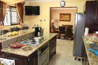 7460_6704_011-cocina-411-casa-venta-sevende-sanpablo-heredia-nuevoshorizontespropiedades.jpg