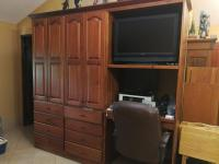 7900_632_07_Custom_Cabinets.jpg